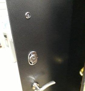 Продаю входную дверь Берлога 3К