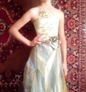 Платье на девочку лет 10-12