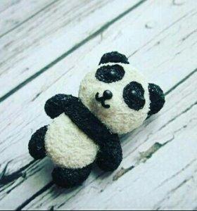 Брошь панда из полимерной глины