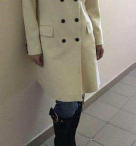 Пальто шерстяное Италия новое р.48-50
