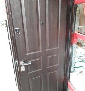 Продаю входные двери Бульдорс 12С
