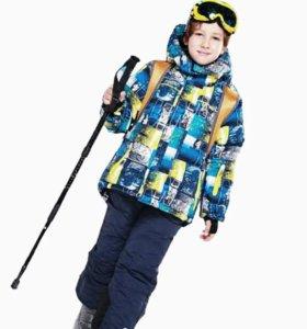 Зимний костюм на мальчика 7-9лет.