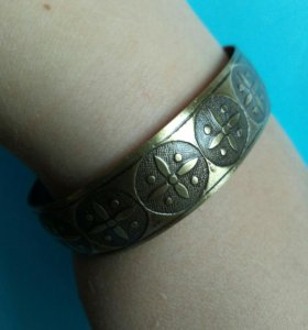 Металический браслет