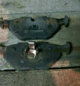 Задние тормозные колодки БМВ Е46
