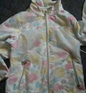 Курточка ветровка для девочки4-7лет.