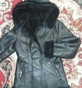 Кожанная куртка зимняя  (состояние новое)