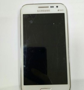 Телефон Samsung Galaxy Win GT-I8552