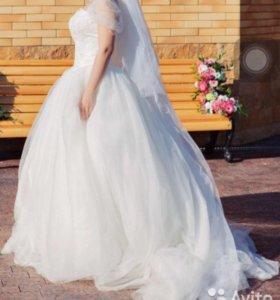Свадебное платье chateau Margaux с фатой