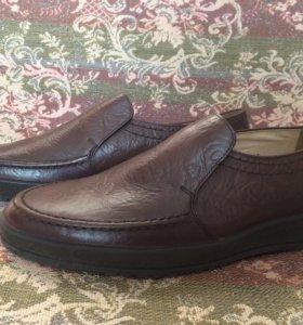 Мужские туфли из натуральной кожи новые