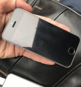 iPhone SE 16g В идеальном состоянии