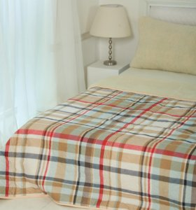 Одеяла пледы из натуральной овечьей шерсти