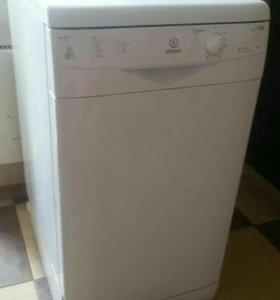 Посудомоечная машина Indesit DSG0517