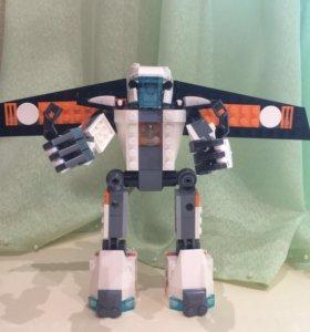 Lego Робот.