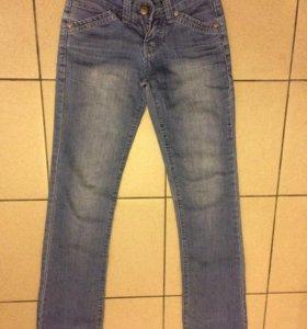 Женские джинсы р.40