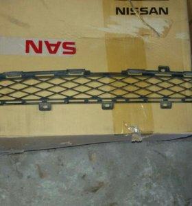 Решетка радиатора верхняя на Nissan GTR R35