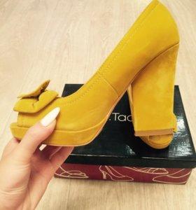 Туфли замшевые с оригинальным каблуком👠👑