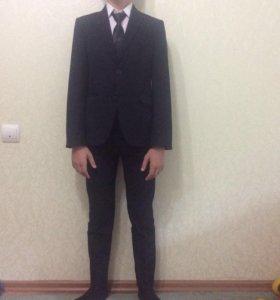 Школьные костюмы б/у