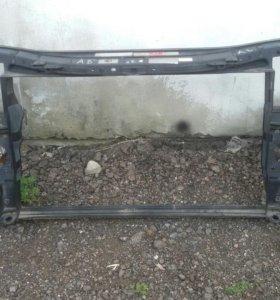 Панель радиаторов(телевизор) на Audi A8 D3