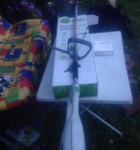 Триммер электро косилка для травы 1200 ват. Сломан