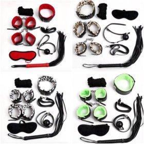 Наборы с наручниками и плетью