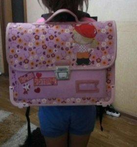 Портфель для школьницы