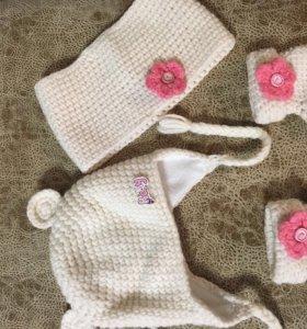Комплект для девочки(шапочка+хомут+пинетки)