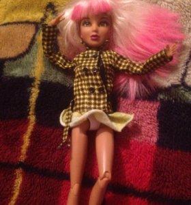 Кукла шарнирная с париками