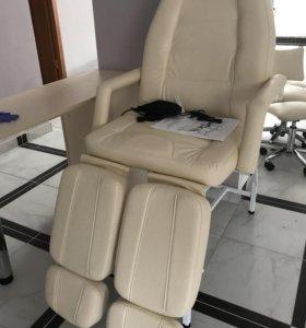 Педикюрное кресло с массажем и подогревом