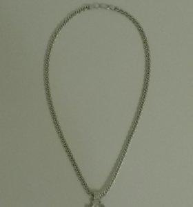 Серебряная цепь с крестом