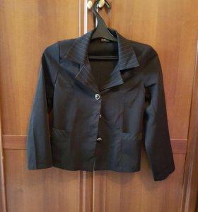 Пиджак школьный  для девочки б /у