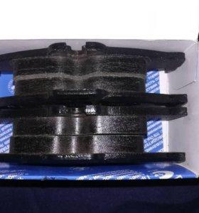 Задние тормозные колодки на Mazda 3