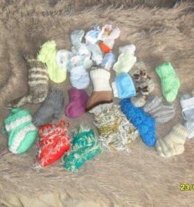 Носки, пинетки и варежки