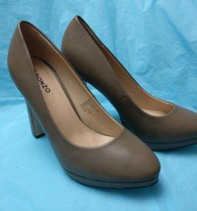 Туфли новые 38-39