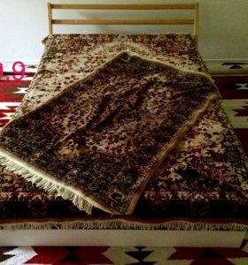 Комплект ковровое покрывало, плед + 2 накидки
