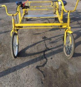 Четырёх колёсный велосипед
