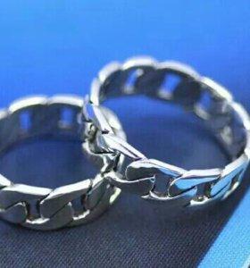 кольца из серебра 925 пробы.