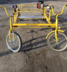 Четырёх колёсный велосипед с мотором