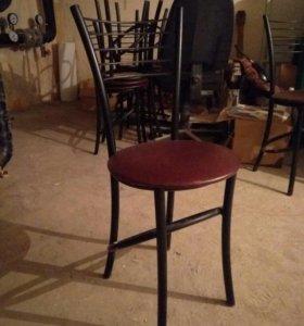 Столы и и стулья из кафе