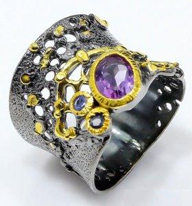 Серебряное кольцо с аметистом и сапфиром.