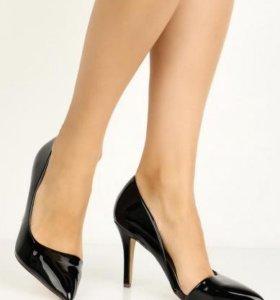 Туфли шпильки новые черные 38 размер