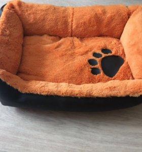 Кровать для кошек или маленьких собачулек))