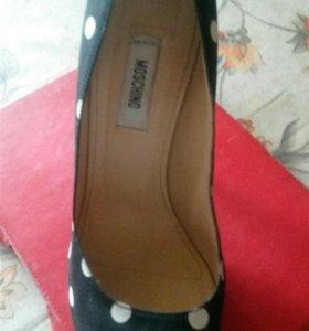 Туфли moschino 39 р