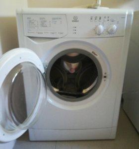 Машинка стиральная Indesit wiun102