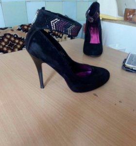 Туфли замшевые размер 38.