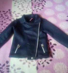 3 куртки на девочку и угги