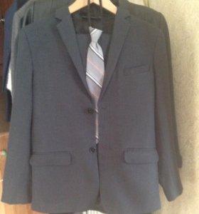 Школьная одежда (костюм, рубашки, галстуки)