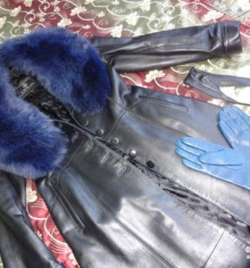 Утепленный кожаный плащ