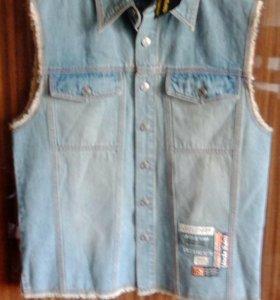 Жилетка джинсовая US. Новая. Размер М. L. HL.