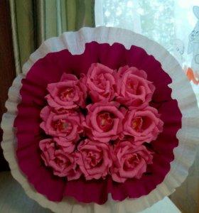 """Розовые розы с конфетами """"Ферреро Роше""""."""