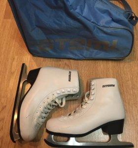 Фигурные коньки с сумкой